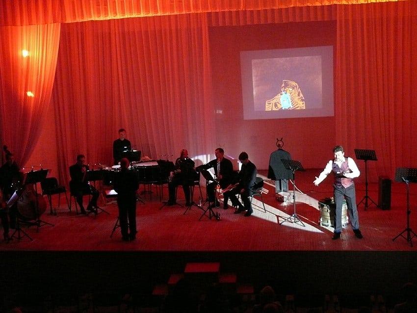 """""""История солдата"""" на сцене Карельской филармонии. Фото: Марина Трубина"""