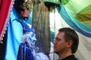 Борис и его куклы. Фото Ирины Ларионовой