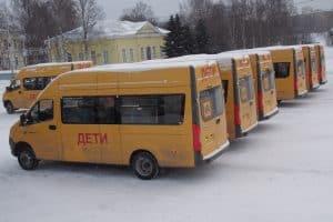 Школы Карелии получили 21 новый автобус