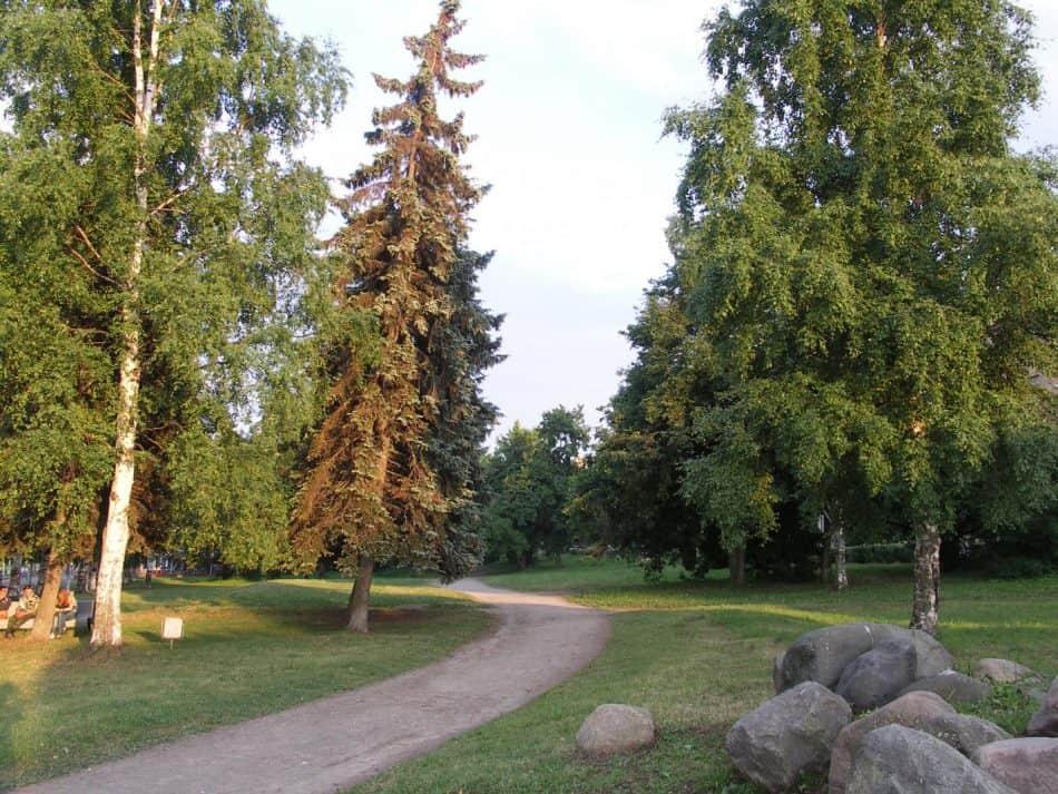 Фрагмент парка Победы у пр. Ленина. Архитектор Юрий Карма