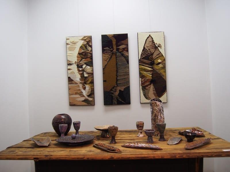 """Евгения Арсеньева. Инсталляция """"Лесной пир"""". На выставке «Всё будет хюгге!» в Городском выставочном зале Петрозаводска. Фото Ирины Ларионовой"""