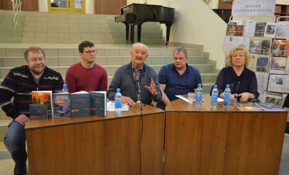 Слева направо: Дмитрий Новиков, Александр Бушковский, Лев Мальчуков, Сергей Пупышев, Елена Пиетиляйнен