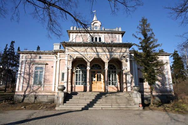 Сортавала. Ратуша, ныне городская библиотека. Фото: tonkosti.ru