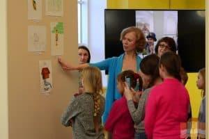В Национальной библиотеке Карелии экспонируется выставка «Мы сами иллюстрируем книжку!»