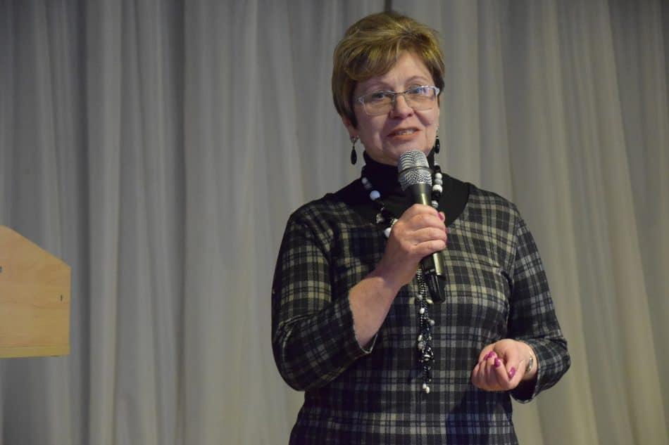 Выступает Марина Вдовина, директор основной школы пос. Кепа Калевальского района