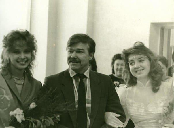 Худграф. Выпуск 1989 года. В центре Анатолий Александрович Гудков