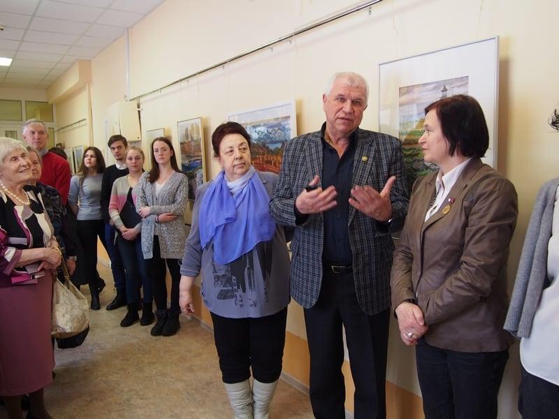 Слева направо: известные художники и педагоги Евгения Веселова, Георгий Иванов, Наталья Кошелева
