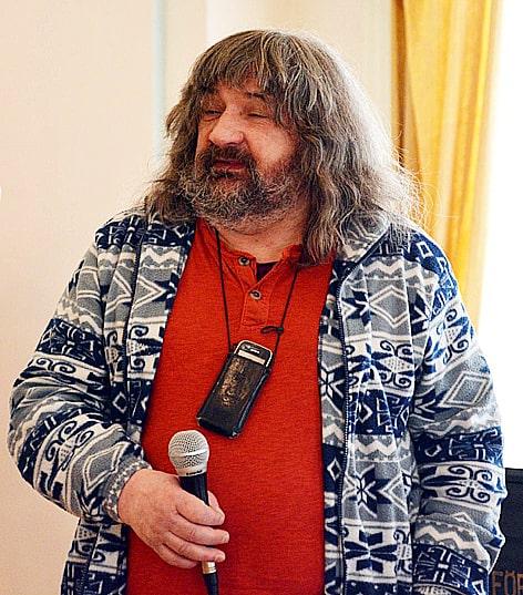 Реставратор А.И. Байер на вернисаже. Фото Валентины Чаженгиной