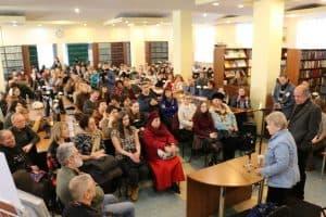 Мариэтта Чудакова в научной библиотеке ПетрГУ