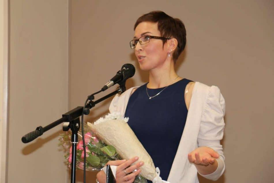 Юлия Коросова на вернисаже