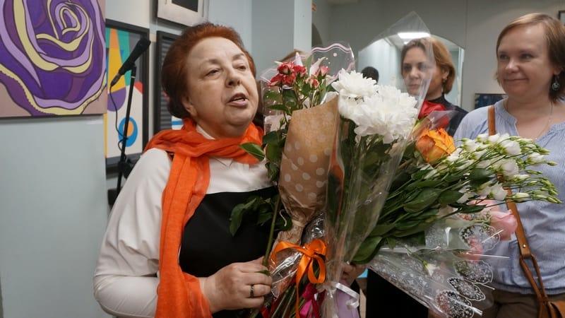 Евгения Веселова принимает поздравления