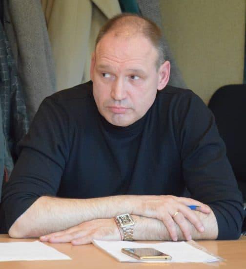 """Геннадий Сараев: """"Является ли увеличение в два раза нагрузки на воспитателя в интересах детей? Нет""""."""
