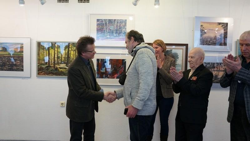 Владимир Зорин поздравляет Владимира Лобанова