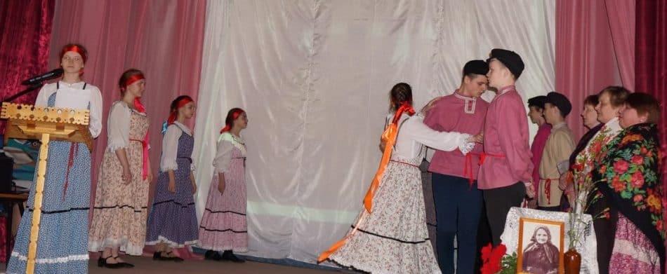 Вот такой заводной танец из игримой бесёды показали юные толвуяне. Фото Ольги Дроновой
