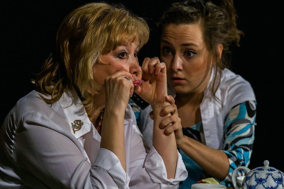 Валерия Ломакина с Людмилой Баулиной в спектакле «Про мою маму и про меня»