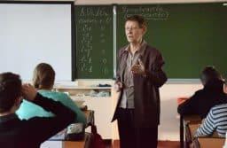 Нина Залысина на уроке в восьмом классе. Фото Марии Голубевой