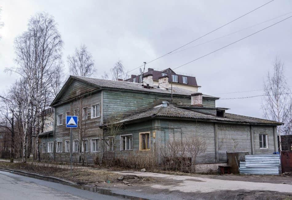 Бывшая казарма Александровского завода на ул. Володарского. Фото: Александр Пауков