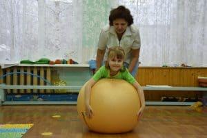 На занятии лечебной физкультурой