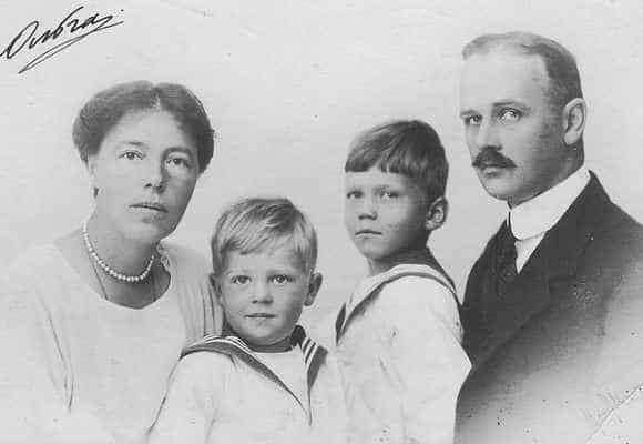 Ольга с мужем и детьми