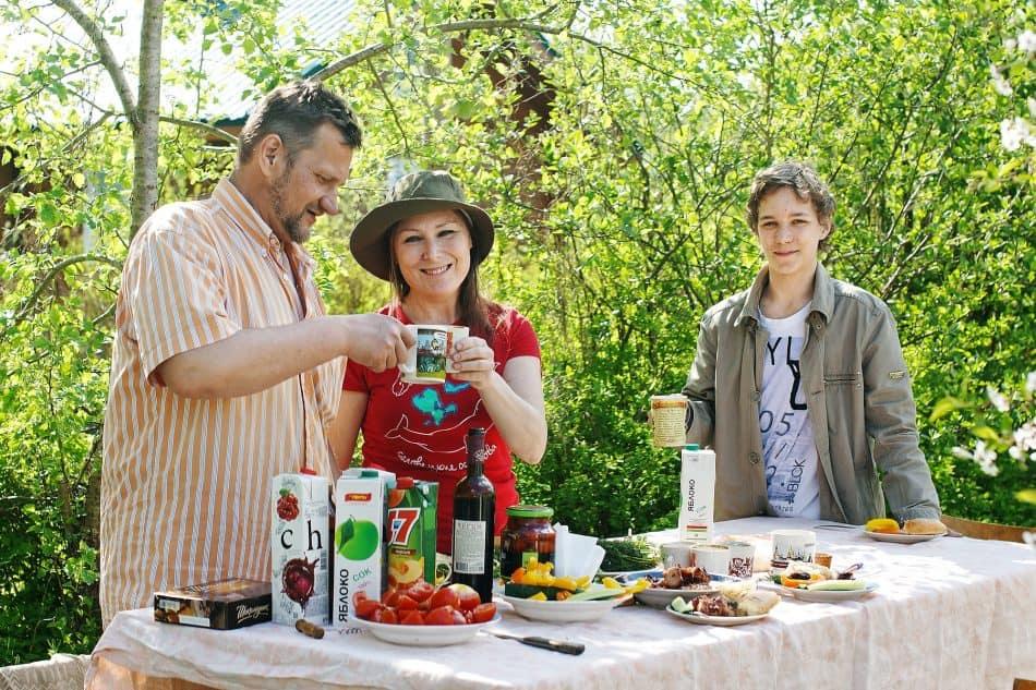 Вениамин с женой Снежаной и сыном Яковом