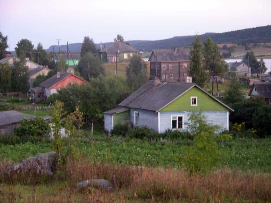 Вид на деревню с Акимовой горы. Фото Бориса Акбулатова
