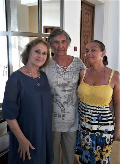 Юрий Сидоров с дочерью Еленой (справа) и Натальей Гальциной
