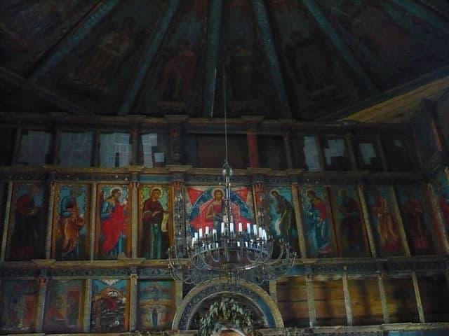 Иконостас и небо Успенской церкви. Фото: Татьяна Терехова