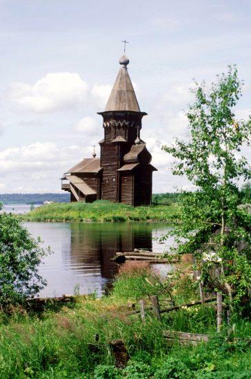 Церковь Успения Пресвятой Богородицы. Фото Уильяма Брумфилда, 2000 год