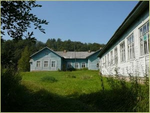 Школа в Усть-реке. Фото: ust-rekapudozh.jimdo.com
