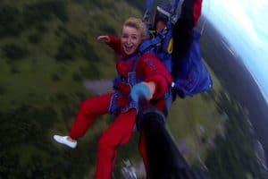 Прыжок с парашютом, роль Фирса, новая песня о Карелии и путешествия