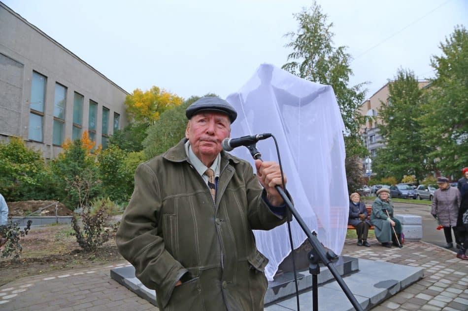 Марат Тарасов был дружен с обоими поэтами. Фото Владимира Ларионова