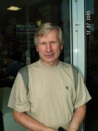 Станислав Тихонов