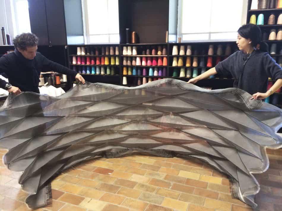 Фрагмент оригамной текстильной структуры, разработанной в студии Samira Boon / © Studio Samira Boon