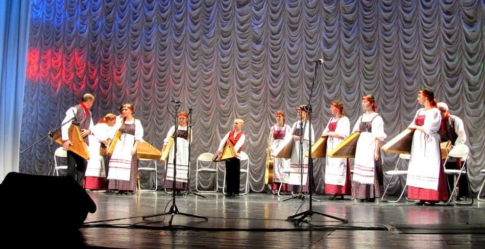 Лауреатом III степени стал ансамбль кантелистов из Калевалы,   руководитель – заслуженный работник культуры Карелии  Юрий Гладышев
