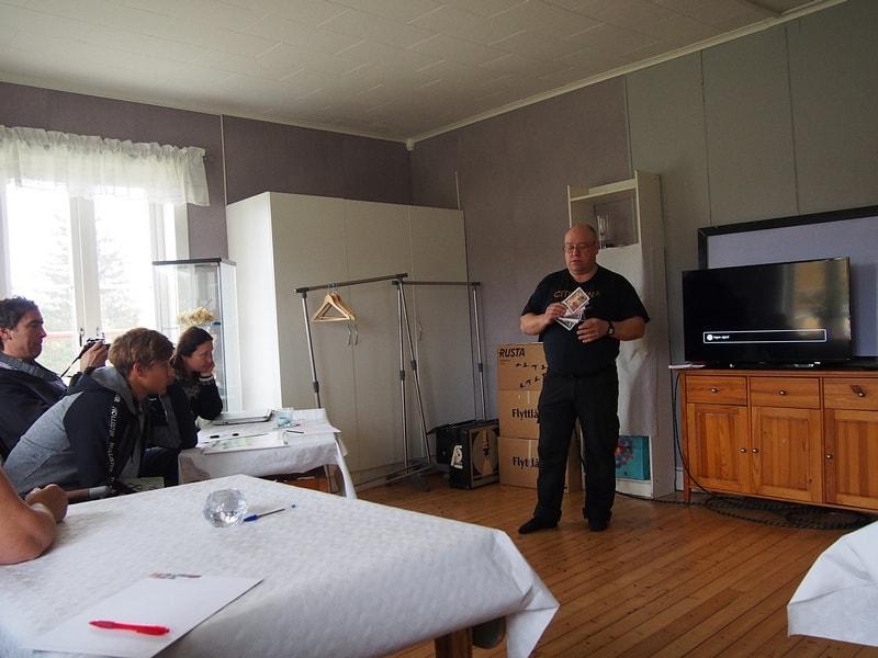 Ларс рассказывает о своей системе коммуникации для аутистов