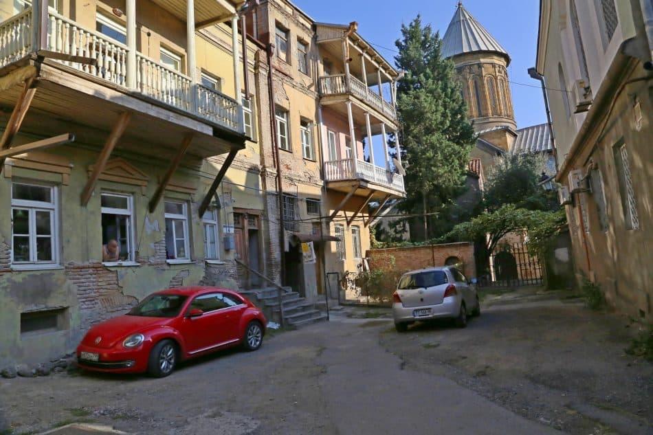 По старым улочкам Тбилиси можно гулять бесконечно