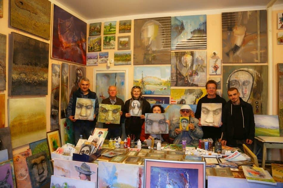 В гостеприимной мастерской художника и преподавателя Тбилисской академии художеств Давида Гуа
