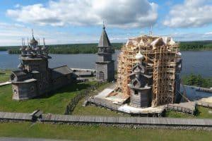 Преображенская церковь на острове Кижи к весне 2019-го предстанет в первозданном виде