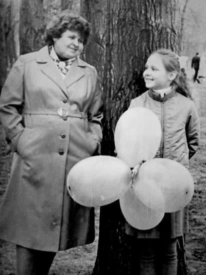 Вика с бабушкой Галиной Максимовой