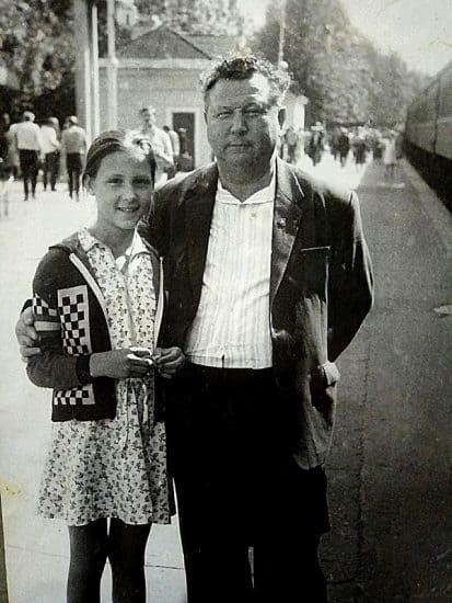 Вика с дедушкой Сергеем Акимовичем