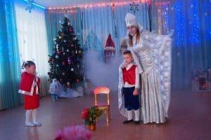 В детском саду показали мюзикл «Снежная королева»