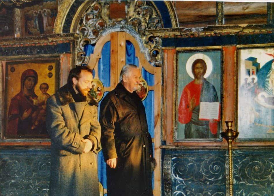 О. Лев и Эркки Пийронен в Успенской церкви. 1997 год. Фото Ирины Соболевой