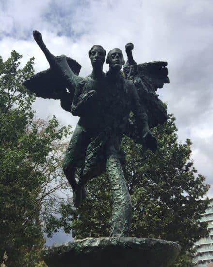 Надежда и Осип Мандельштам. Памятник в Амстердаме. Фото: Лариса Хенинен