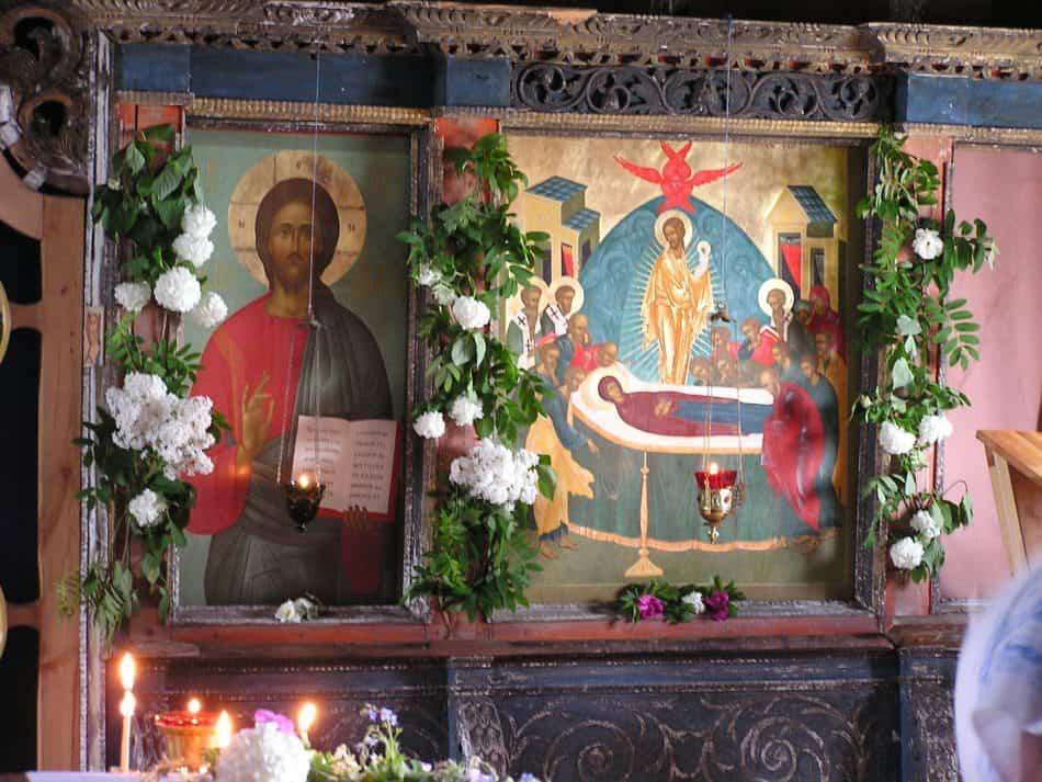 Иконы местного ряда, написанные Ю.О. Большаковой