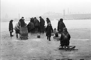 Блокадный Ленинград зимой 1941 года. Фото: en.ppt-online.org