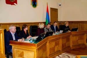 На заседании Комитета по образованию, культуре, спорту и молодежной политике 16 января 2019 года. Фото: karelia-zs.ru