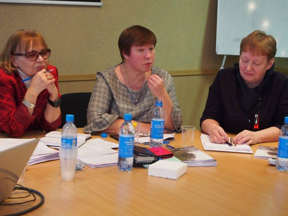 Слева направо: Зинаида Ефлова, Татьяна Сеппянен, Татьяна Танцева