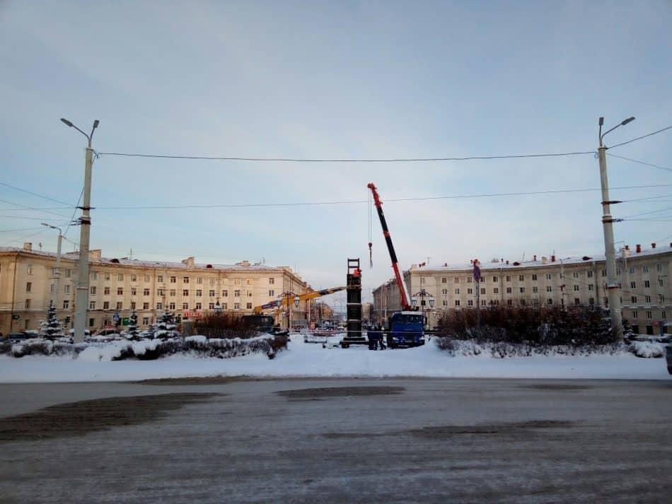 Снос «Биг Бена» в Петрозаводске. 28 января 2019 года. Фото Натальи Мешковой