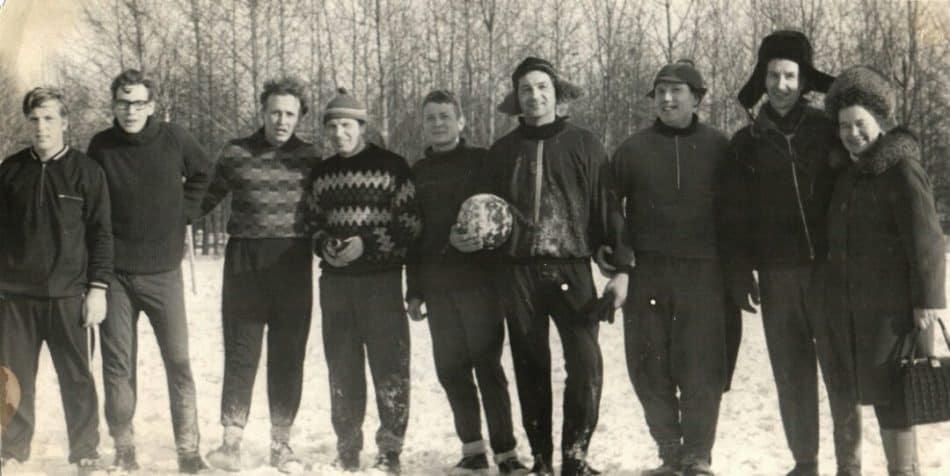 Футбольная команда Института геологии Карельского филиала Академии наук СССР. 1973 год