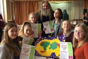 Школьники учились рисовать плакаты про здоровый образ жизни